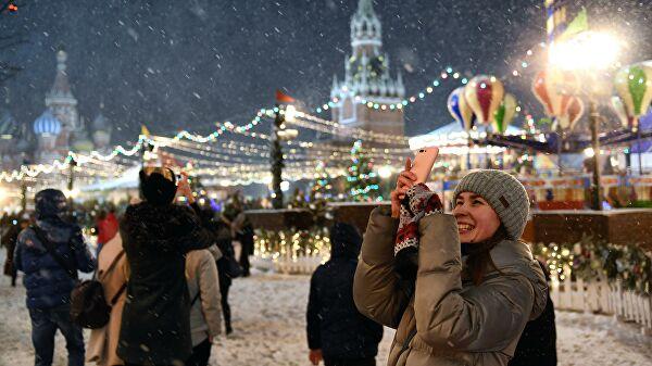 Синоптики прогнозируют снег в Москве в новогоднюю ночь
