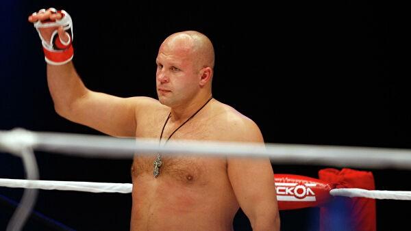 Федор Емельяненко нокаутом победил Джексона на турнире Bellator