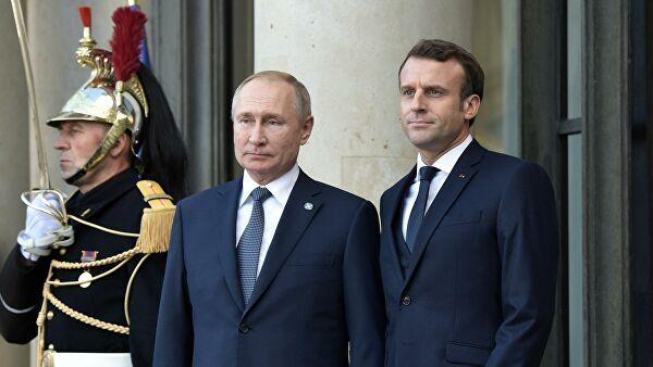 Путин поблагодарил Макрона за сотрудничество и поздравил с Новым годом