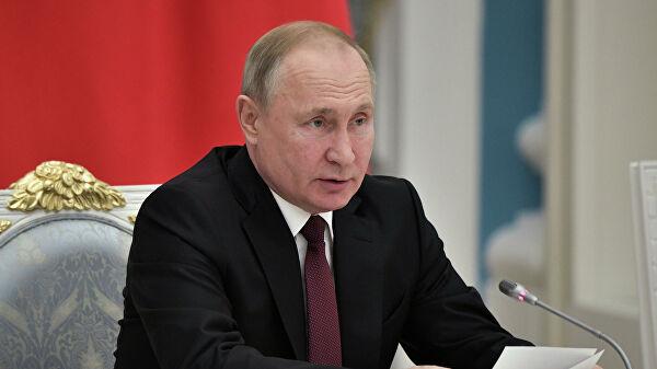 Путину удалось сохранить страну, заявил Неверов