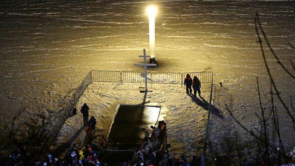Более двух миллионов россиян приняли участие в крещенских купаниях