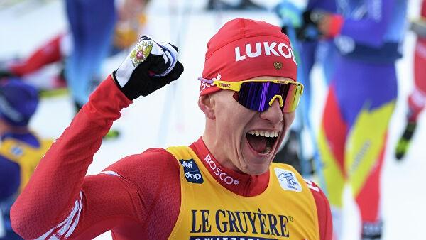 Большунов победил в гонке преследования на этапе Кубка мира в Чехии