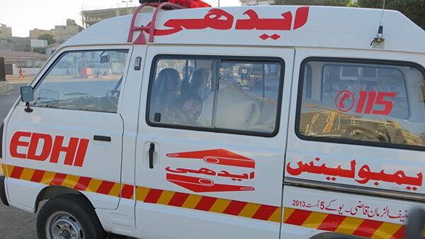 В Пакистане разбился легкомоторный самолет, боровшийся с саранчой