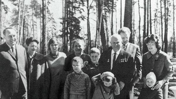 Невестку Хрущева нашли мертвой в квартире в Москве, сообщили СМИ