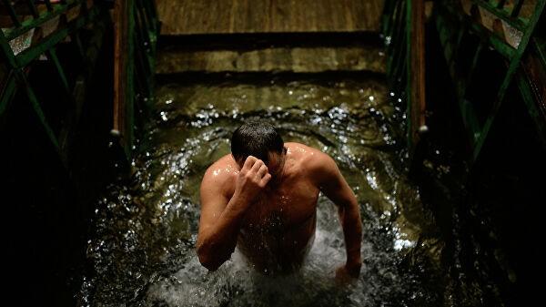 В Москве более 5,5 тысячи человек уже посетили крещенские купания