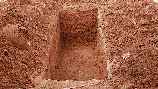 """""""Ройте себе могилы"""": зачем люди заживо закапываются в землю"""