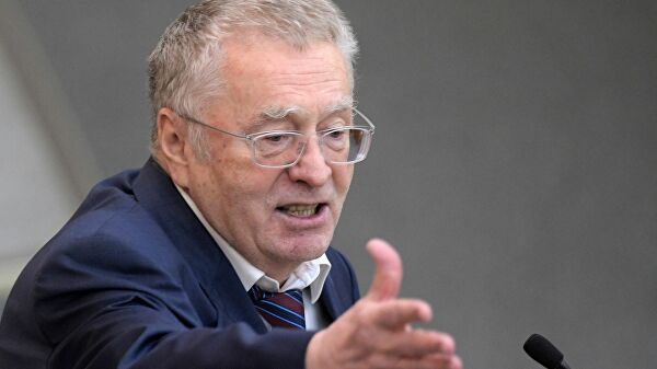 В ЛДПР прокомментировали раздачу Жириновским денег в Москве