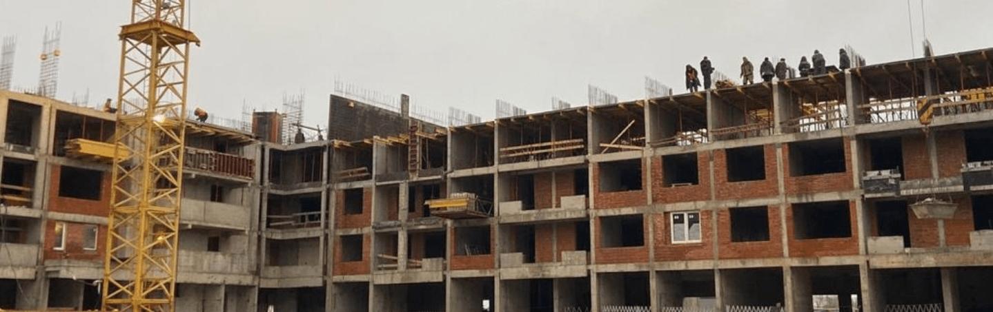 """В ЖК """"Царицыно"""" в 2.5 раза увеличили количество строителей"""