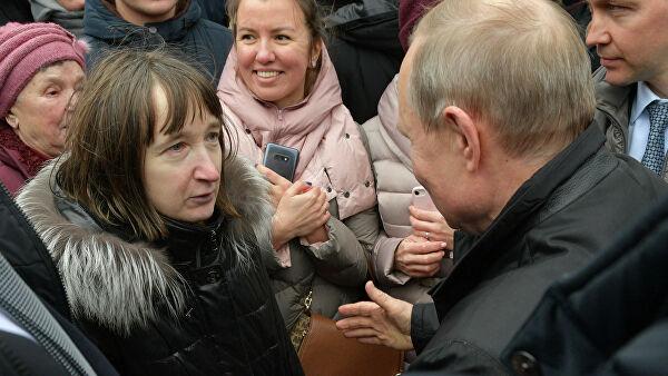 Спросившей Путина о жизни на 10 800 рублей пенсионерке нашли работу