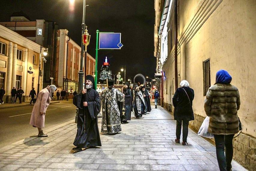 В центре Москвы ожидаются ежедневные крестные ходы против коронавируса