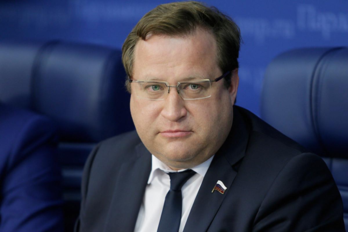 Депутат Госдумы отчитался о подарках роженицам несуществующего роддома