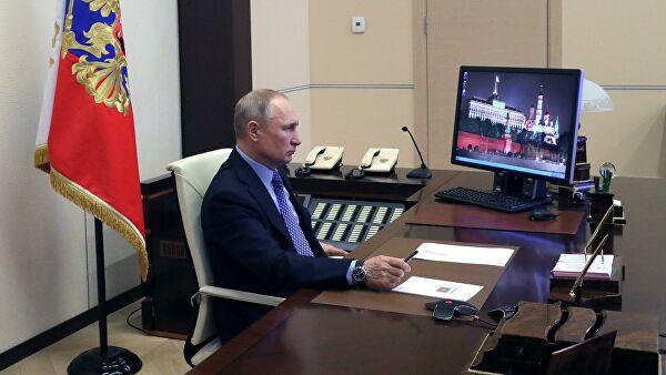 Путин призвал информировать людей о ситуации с коронавирусом