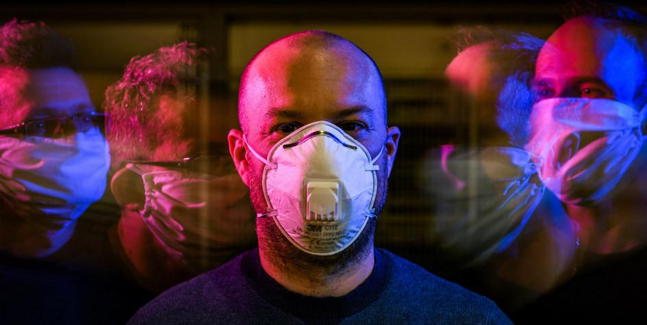 Соцсети, свечи, перекись: как пережить эпидемию коронавируса дома