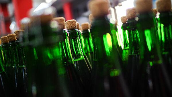 В России стали чаще покупать алкоголь, пишет СМИ