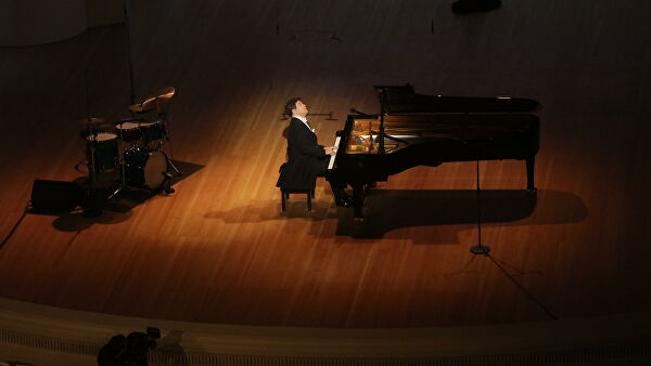 Концерт Дениса Мацуева онлайн смотрели свыше полутора миллиона человек