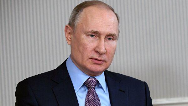 Путин внес в Думу проект о наказании за повреждение памятников воинам
