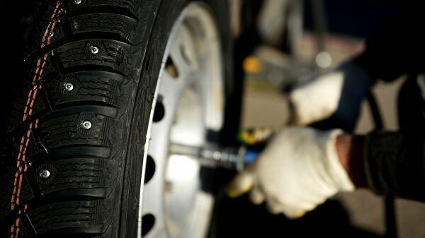 Московским водителям посоветовали менять резину на летнюю в апреле