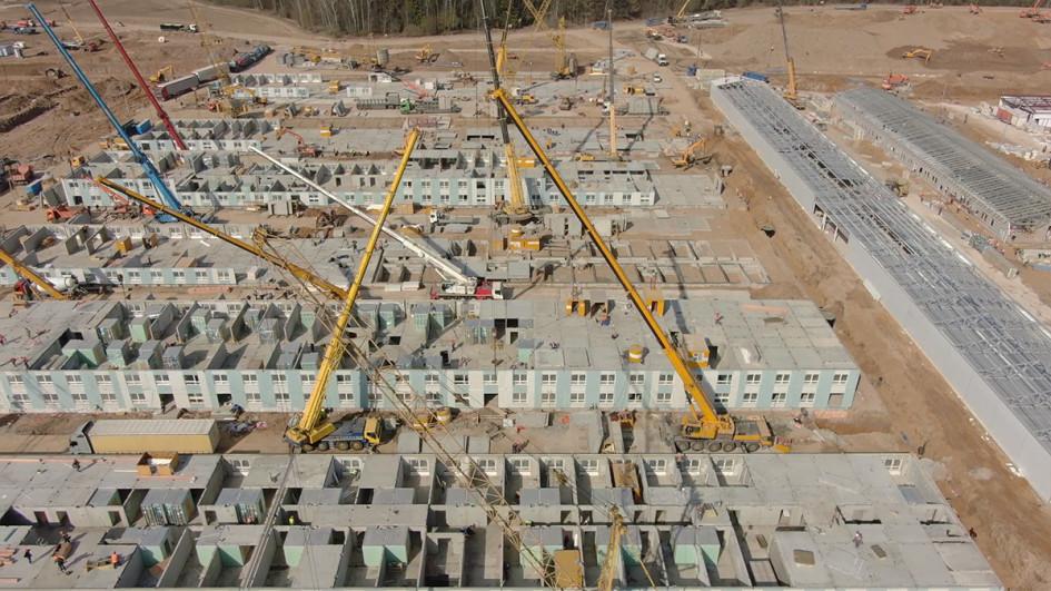 «Счет идет на недели»: как сейчас выглядит стройка коронавирусного центра
