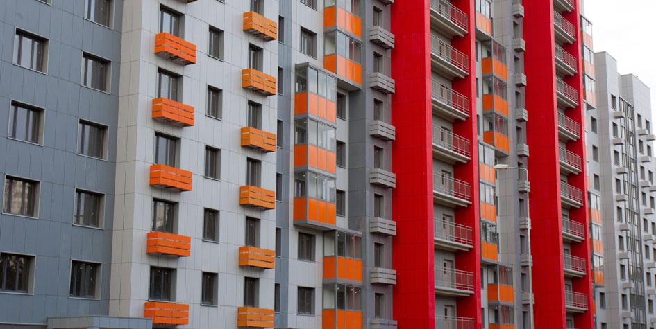 «Не суетиться»: как застройщики отреагировали на падение рубля