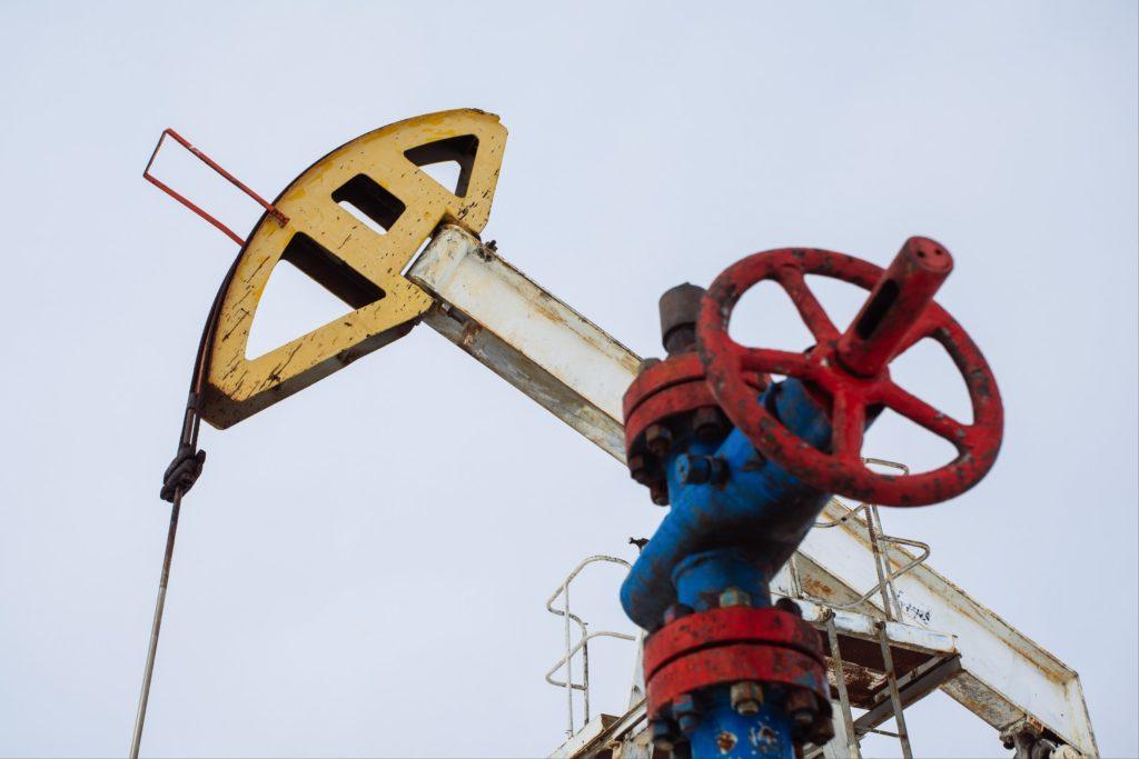 Цена российской нефти Urals упала до значений прошлого века