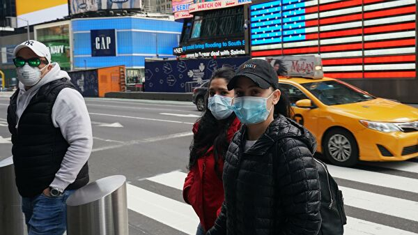 В США за сутки выявили почти 32 тысячи случаев заражения коронавирусом