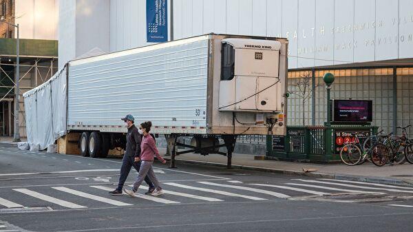 В Нью-Йорке обнаружили грузовики с десятками разлагающихся тел