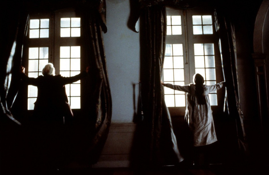 7 захватывающих фильмов о домах с тайнами