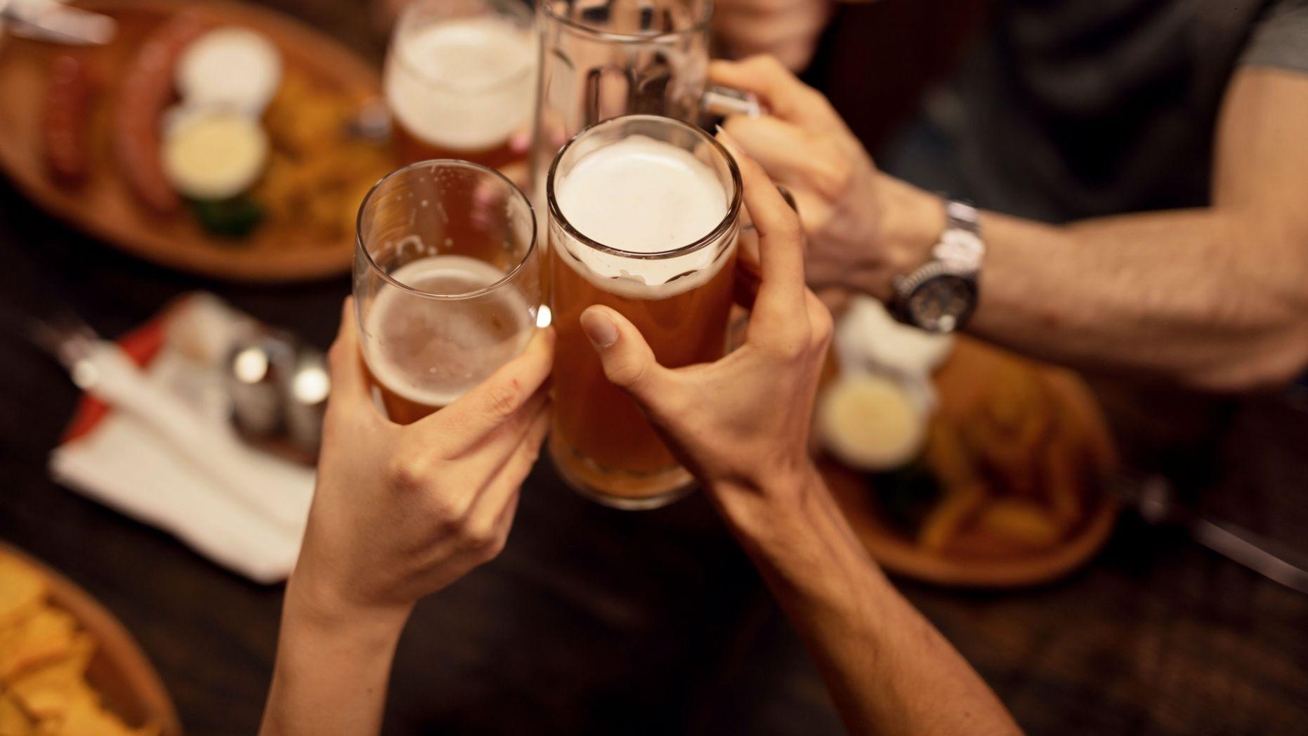 Это для дезинфекции: насколько вреден алкоголь во время пандемии?