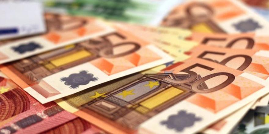 Рубль достиг рекордного роста