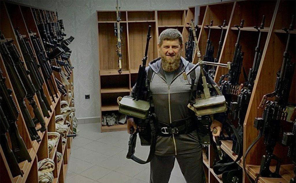 Кремль не против фотографий Кадырова с пулемётами