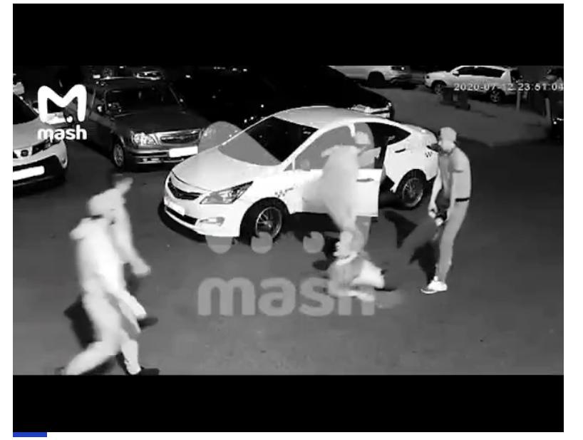 Москвичи похитили мужчину, засунули в багажник и попали на видео