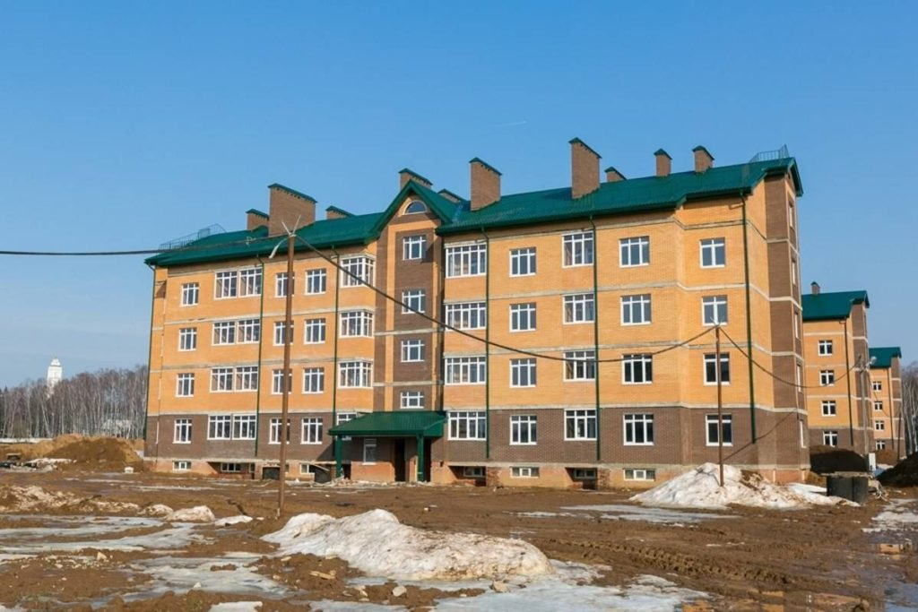 На строительной площадке проблемного ЖК «Марьино Град» работают 320 человек