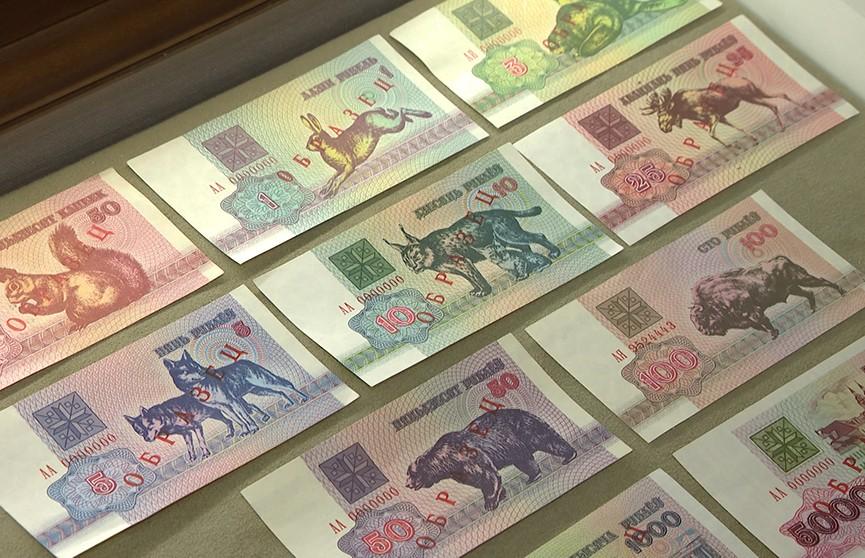 Белорусский рубль рекордно обвалился