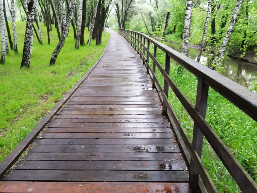 На северо-востоке Москвы завершается благоустройство набережной реки Яузы