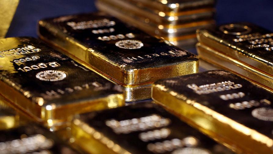 Золото дорожает почти на 1% на фоне удешевления доллара