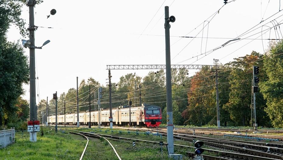 Между Петербургом и новой столицей Ленобласти запустят скоростную электричку