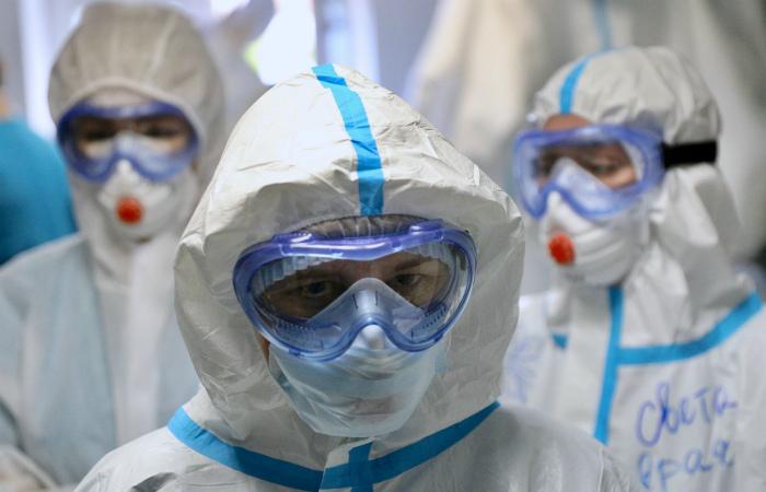 Учёный заявил о необычности распространения коронавируса в России