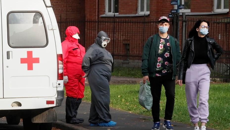 COVID-стационары Петербурга снова принимают в день больше 400 пациентов