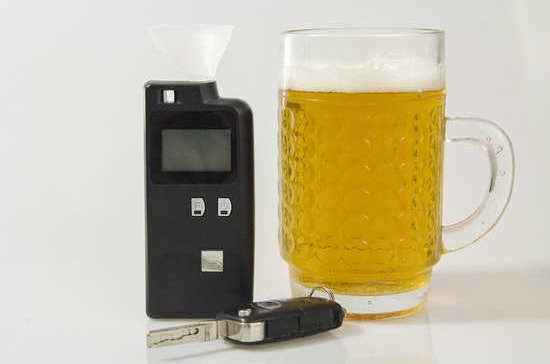 Допустимое содержание алкоголя в крови водителей установили 53 года назад