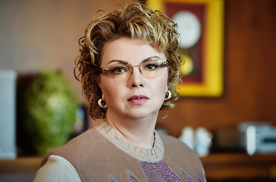 Ирине Скобцевой выпали долгая жизнь и великая любовь, заявила Ямпольская
