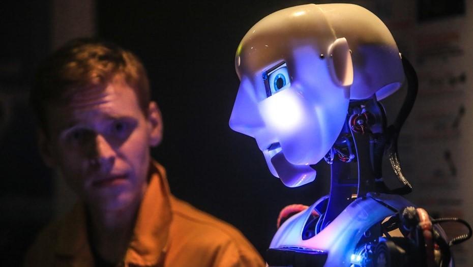 Мы те русские, что учат японцев делать роботов: петербургский бизнес в кризис