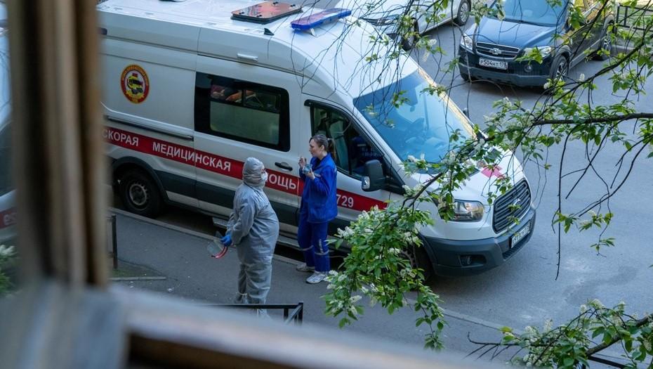 Под Петербургом дети оказались заперты с умершими родителями на двое суток