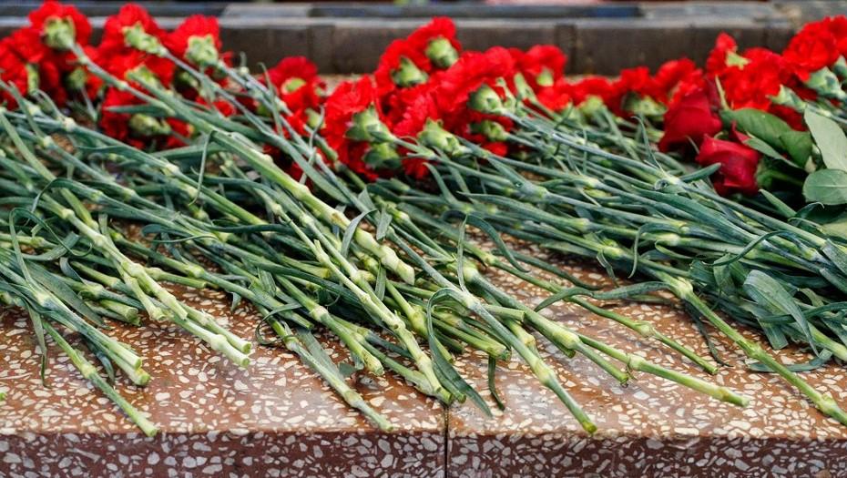 Под Выборгом открыли мемориал на месте захоронения 323 красноармейцев