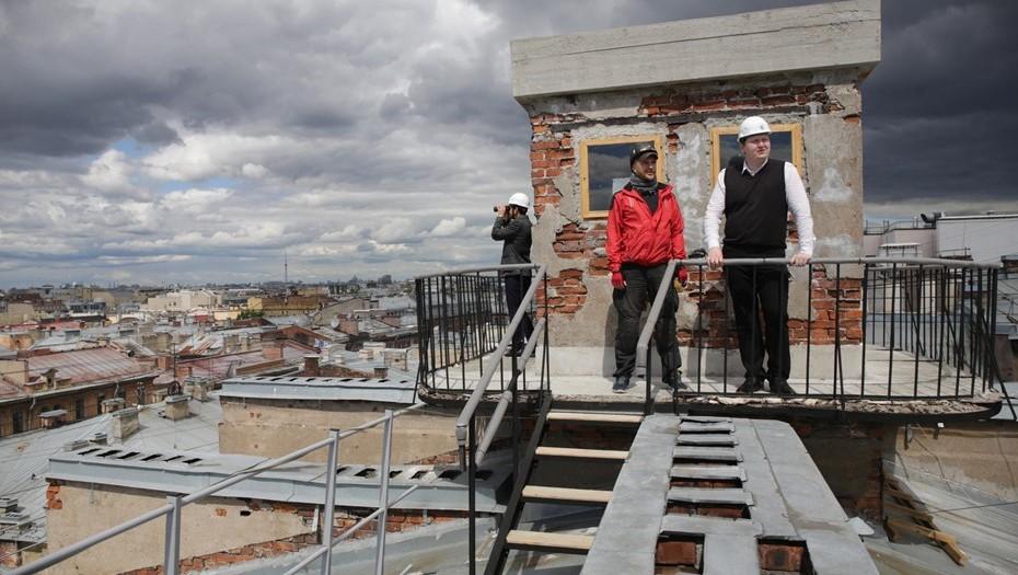 Полиция нашла в центре Петербурга 4 резиновых квартиры и открытые чердаки