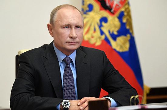 Путин поручил перейти на прямые закупки отечественной техники для МЧС