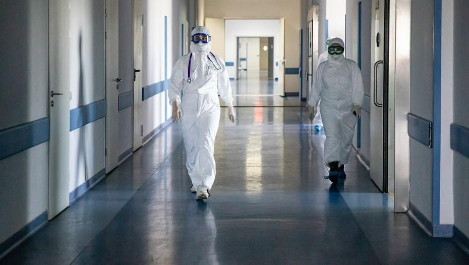 """""""Пик через неделю"""": назван сценарий роста заболеваемости коронавирусом"""
