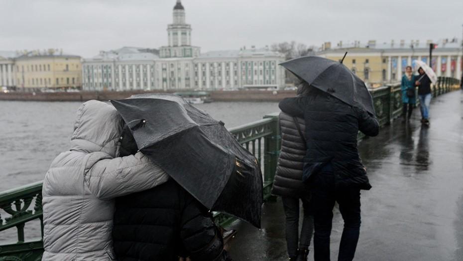 Рабочая неделя в Петербурге начнётся с небольших дождей