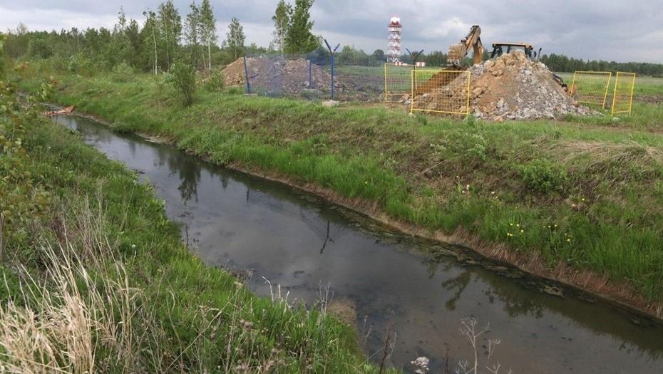 Росприроднадзор вновь не смог оштрафовать Пулково за загрязнение реки Новой
