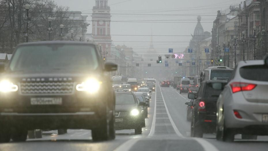 Спасатели предупредили петербуржцев о ночном тумане