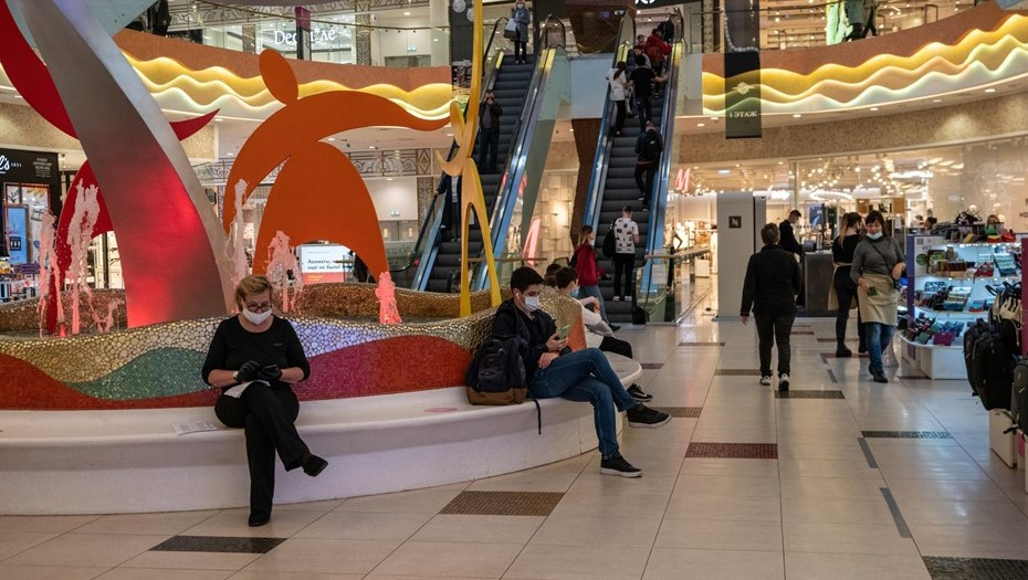 Торговые центры Петербурга проверят на соблюдение антиковидных норм